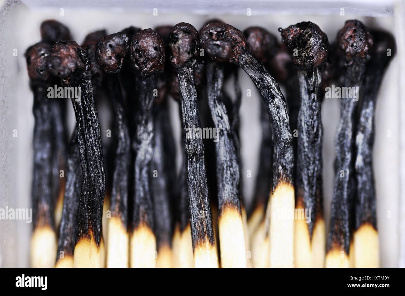 Match box with burnt down matches, borer out syndrome, Streichholzschachtel mit abgebrannten Streichhölzern, - Stock Image