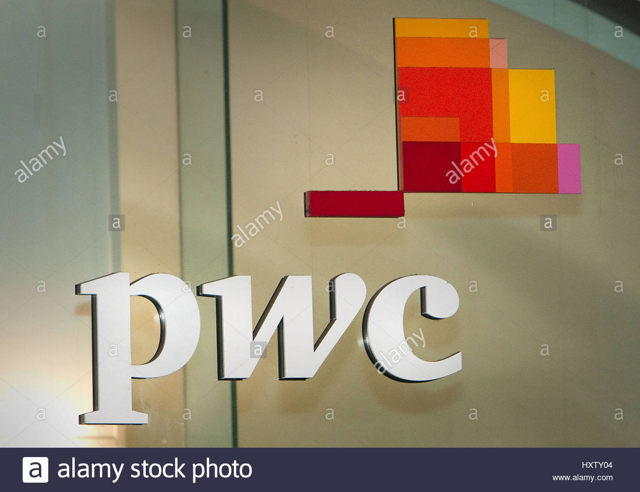 File photo dated 01/10/2012 of a PricewaterhouseCoopers sign, as the organisers of the Oscars will continue working - Stock Image
