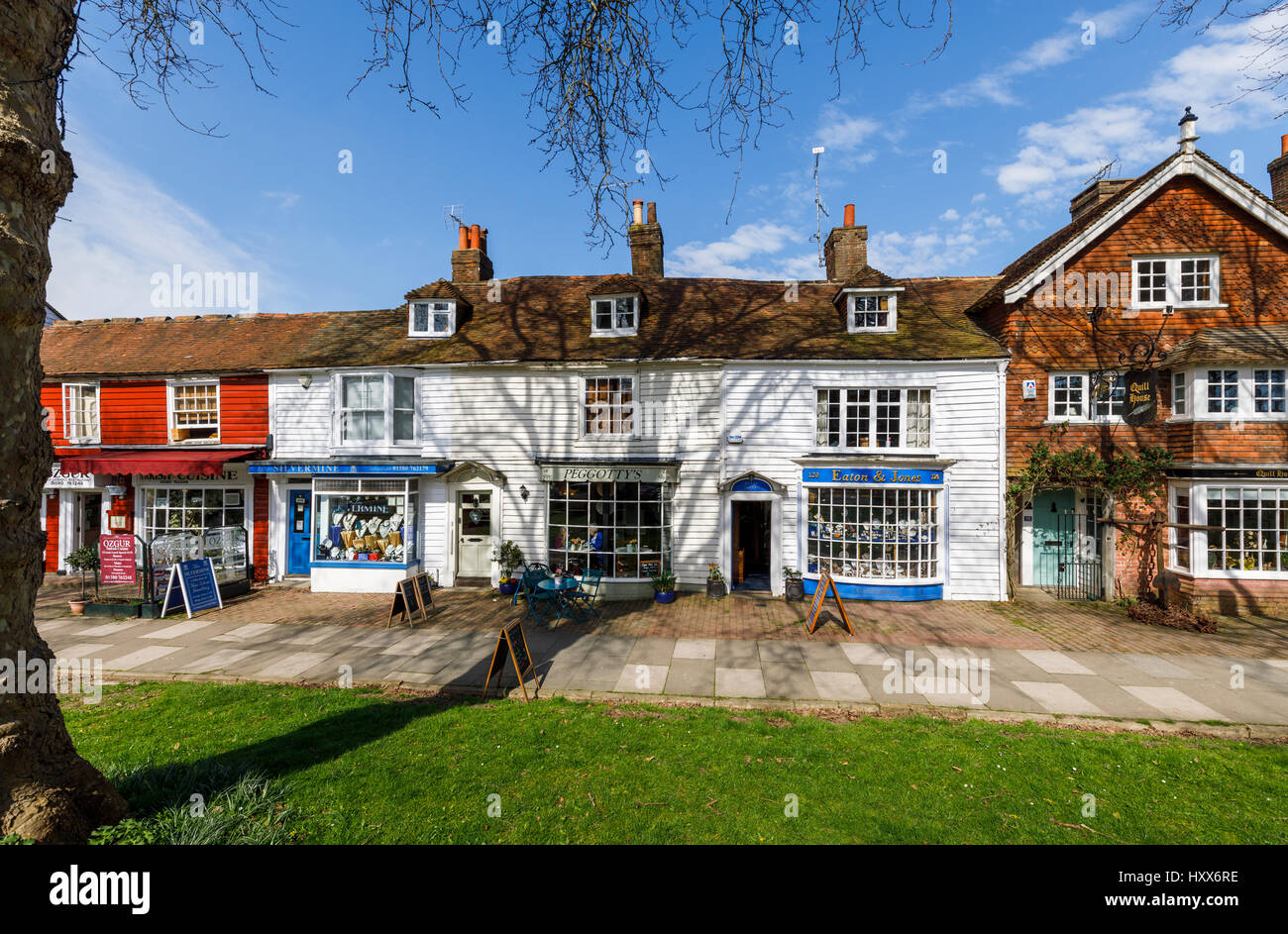 Shops and cafes including Peggotty's Tea Shoppe, traditional local architecture, clapboarded (weatherboarded) - Stock Image