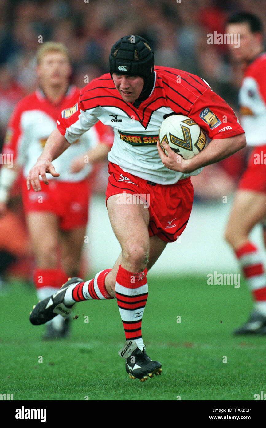 MARK EDMONDSON ST. HELENS RLFC 07 April 1999 - Stock Image