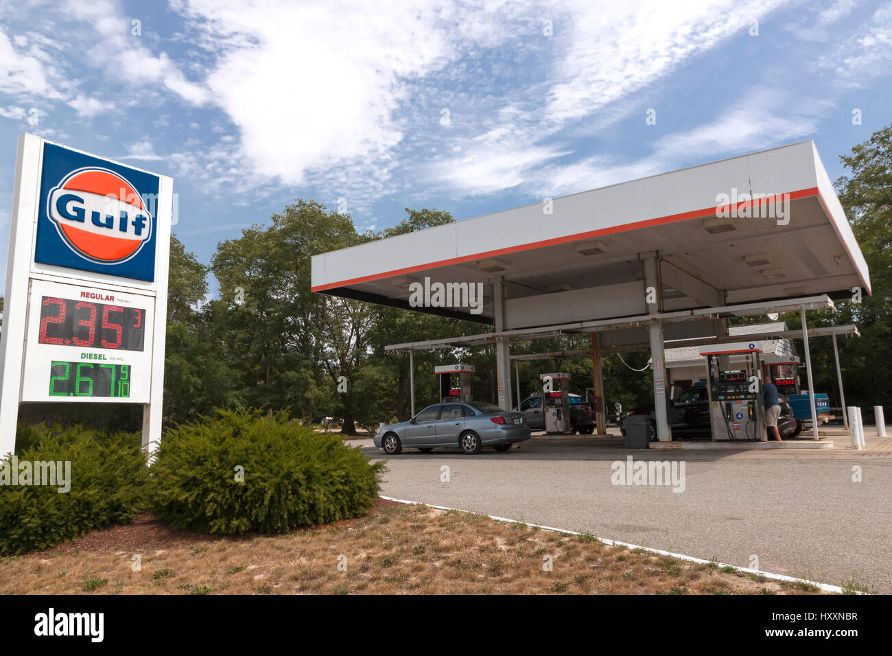Gulf Gas Station Near Me >> Gulf Gas Station With Low Gasoline Prices On A Sign Stock