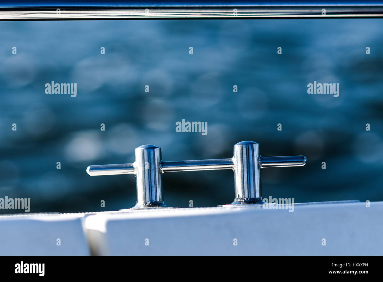 Cleat Block Stock Photos & Cleat Block Stock Images - Alamy
