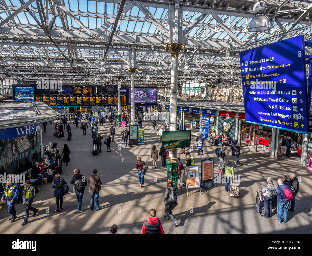 Edinburgh Waverley Station - Main concourse with commuters and travellers - Stock Image