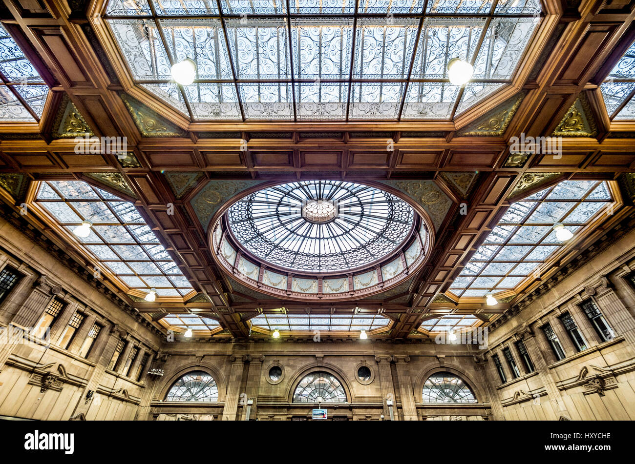 Edinburgh Waverley Station - restored ticket office with ornate ceiling - Stock Image