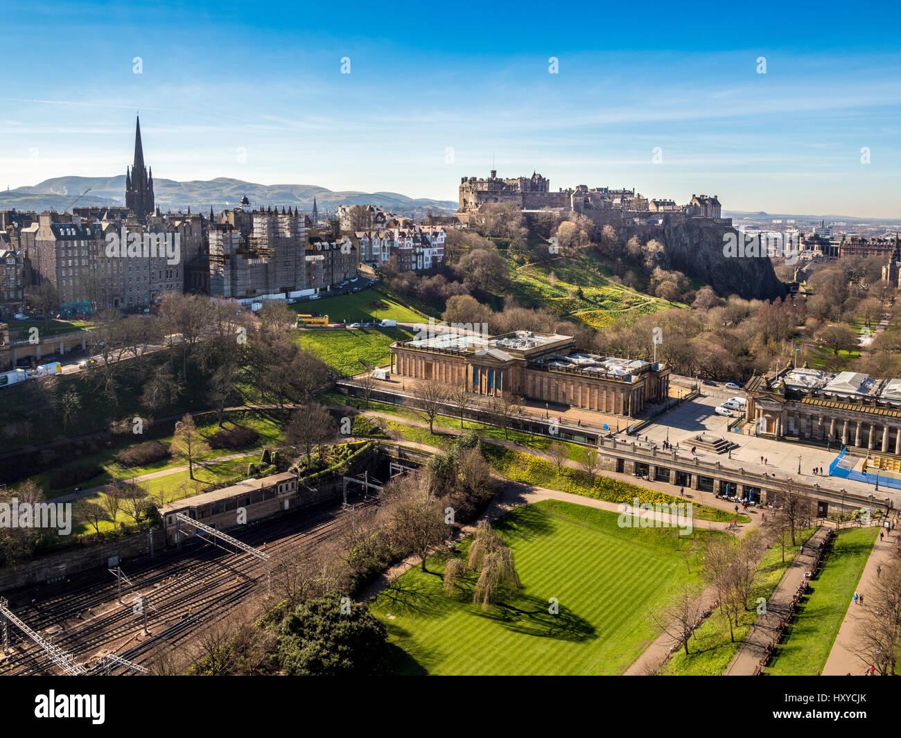 Edinburgh Castle. Scottish National Gallery, Edinburgh, Scotland, UK. - Stock Image
