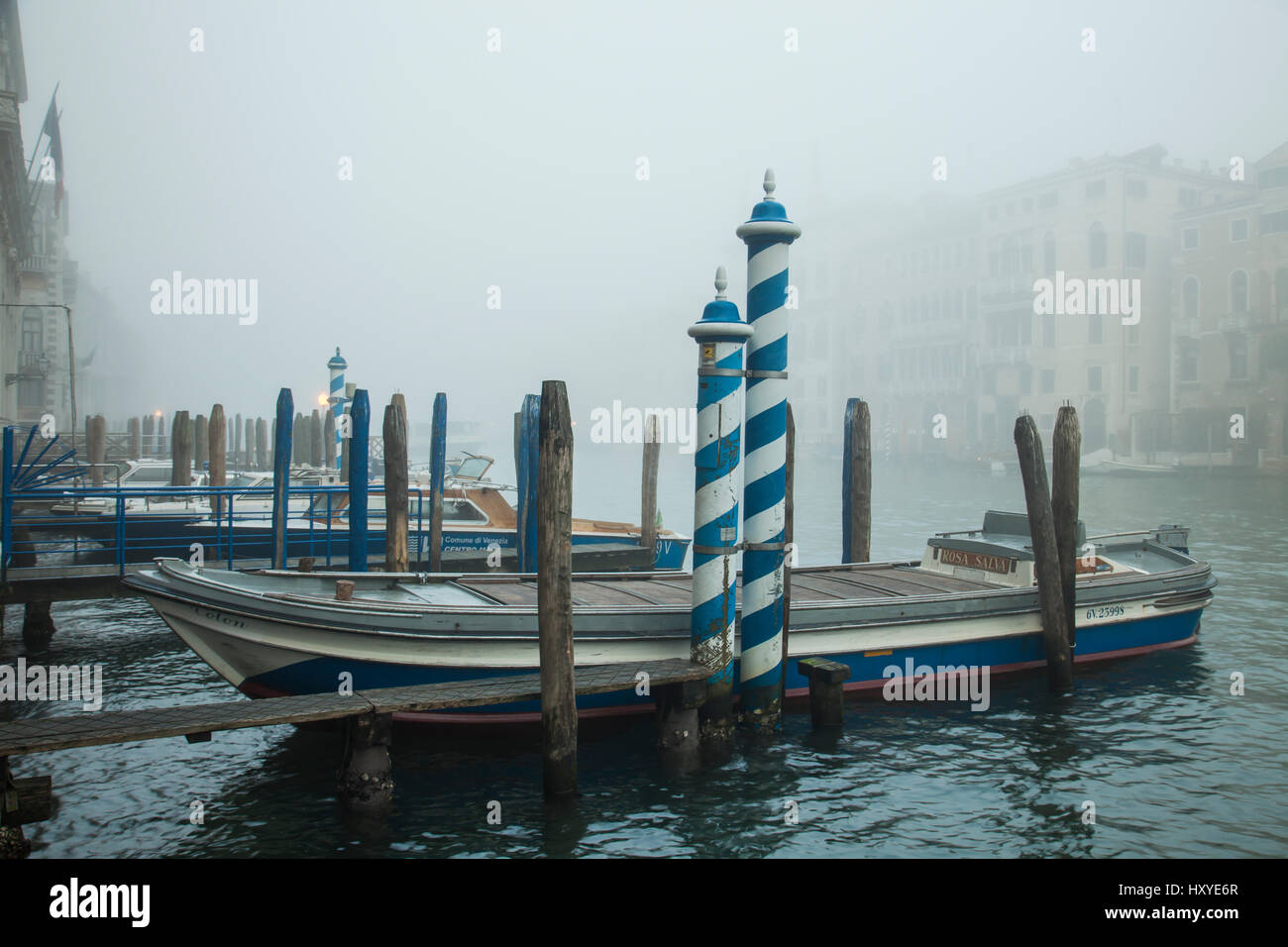 Foggy morning on Grand Canal, Venice, Italy. - Stock Image