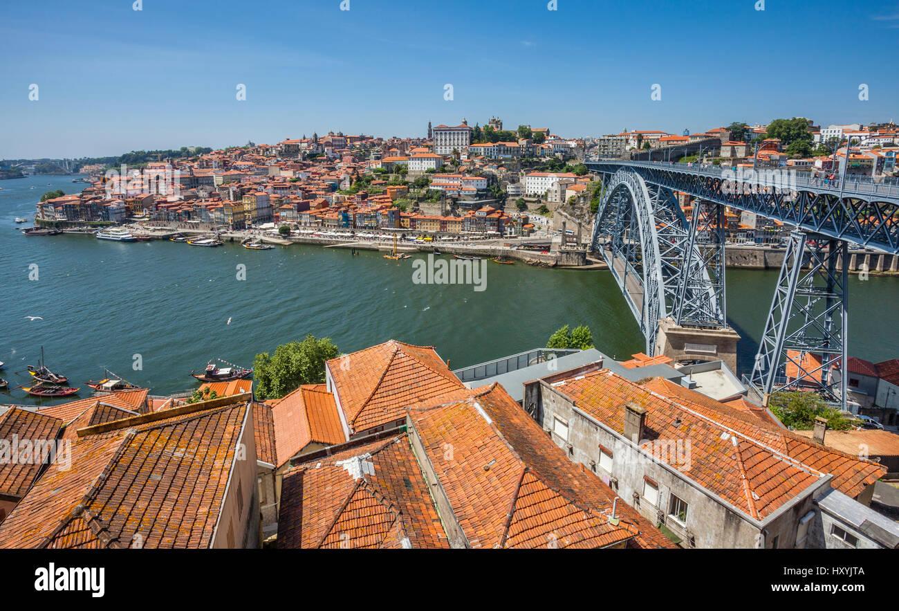 Portugal, Region Norte, Porto, view from Vila Nova de Gaia across the Douro River towards Dom Luís I Bridge - Stock Image