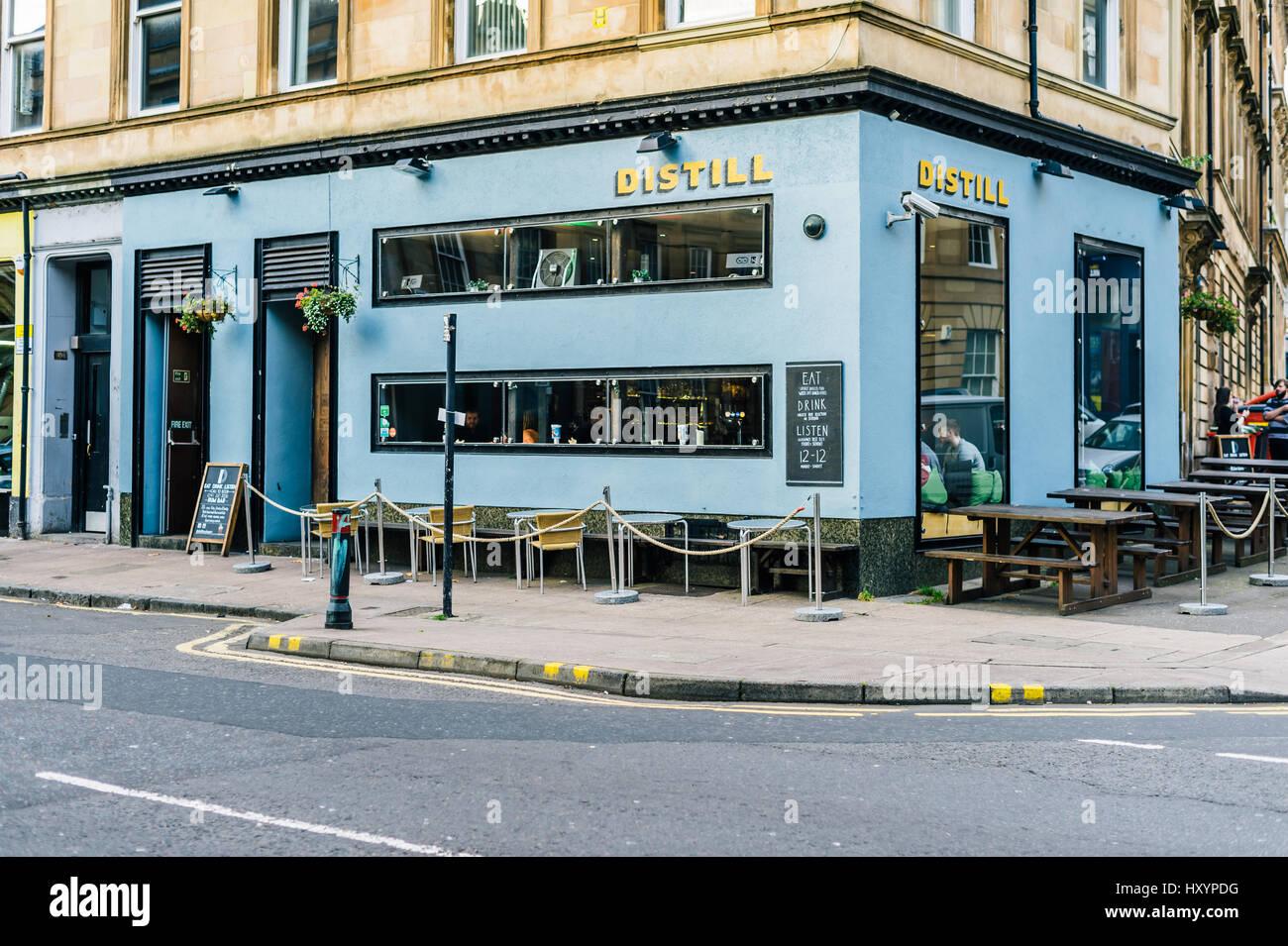 Distill Bar on Argyle Street in Glasgow's Finnieston District - Stock Image