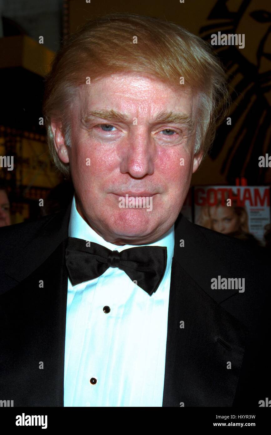 © RTMcbride / MediaPunch    DONALD TRUMP   5/2/2001  (HEADSHOT)  ATTENDS THE OPENING NIGHT REVIVAL   OF 42ND - Stock Image