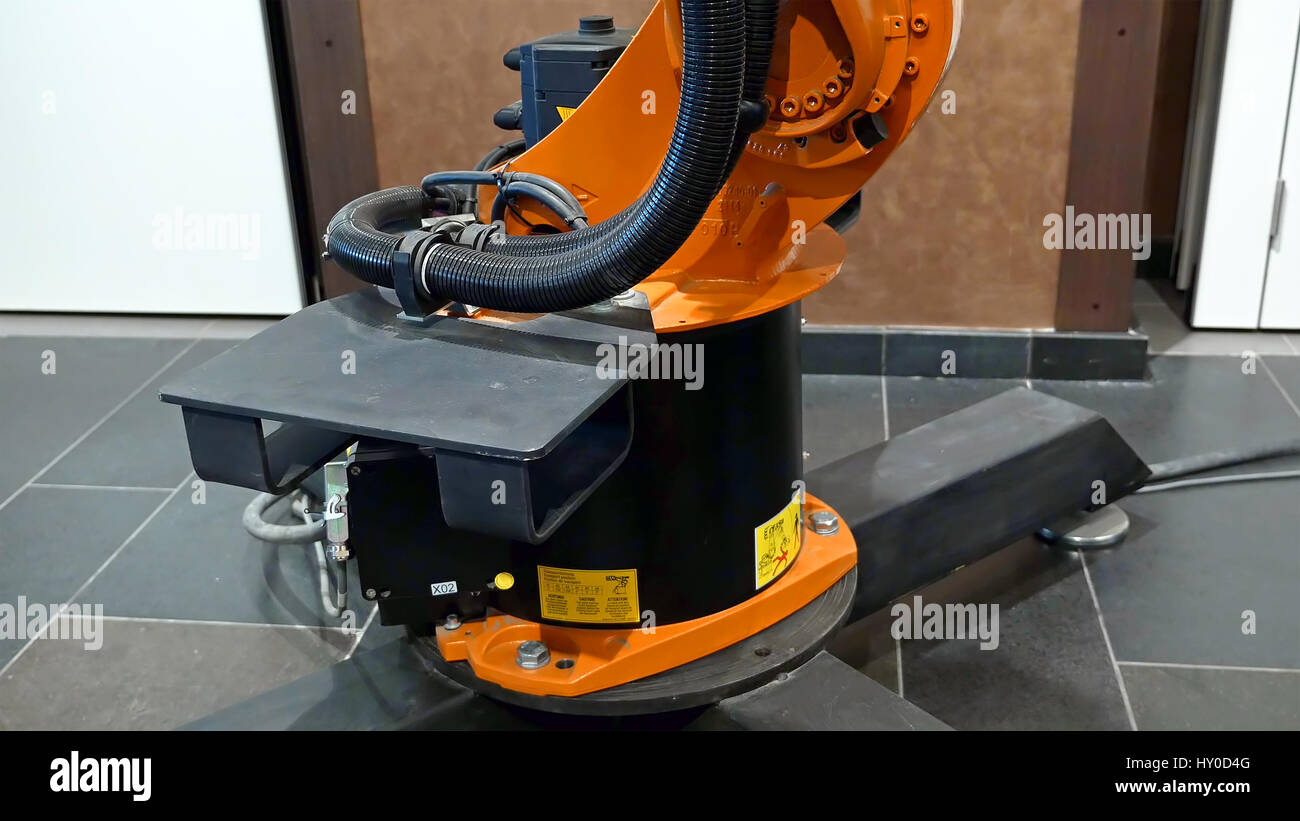 Industrial robot arm for welding and assembling - Stock Image
