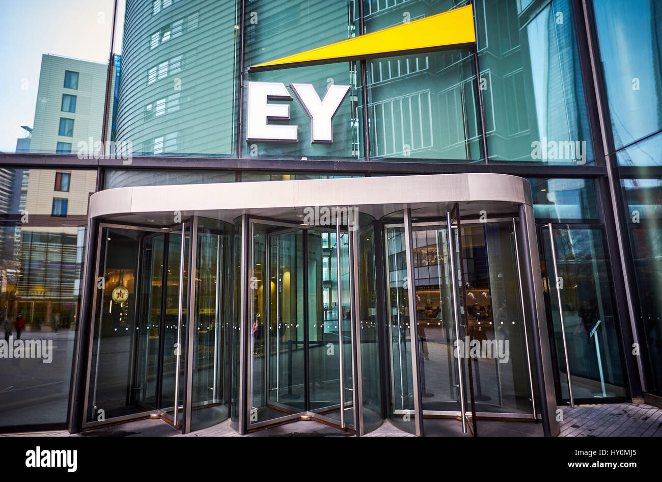 General View Of The Ey Ernst Young Office In London Math Wallpaper Golden Find Free HD for Desktop [pastnedes.tk]