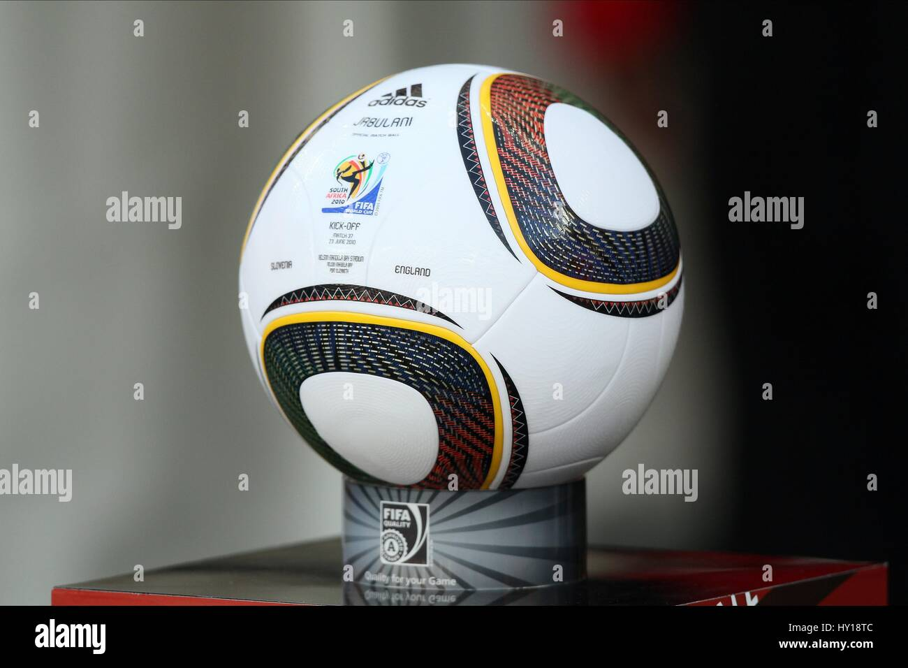 JABULANI OFFICIAL MATCH BALL SLOVENIA V ENGLAND SLOVENIA V ENGLAND NELSON MANDELA BAY PORT ELIZABETH SOUTH AFRICA - Stock Image