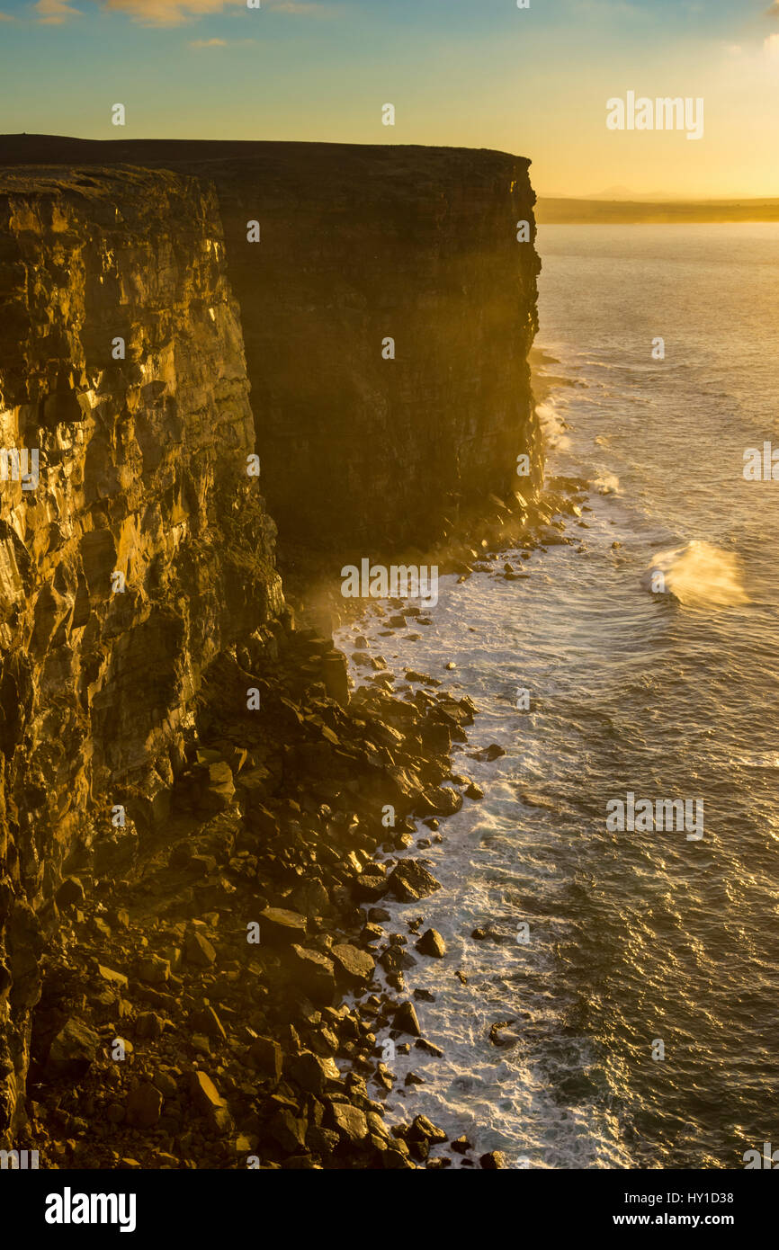 Cliffs on the west side of Dunnet Head, Caithness, Scotland, UK - Stock Image