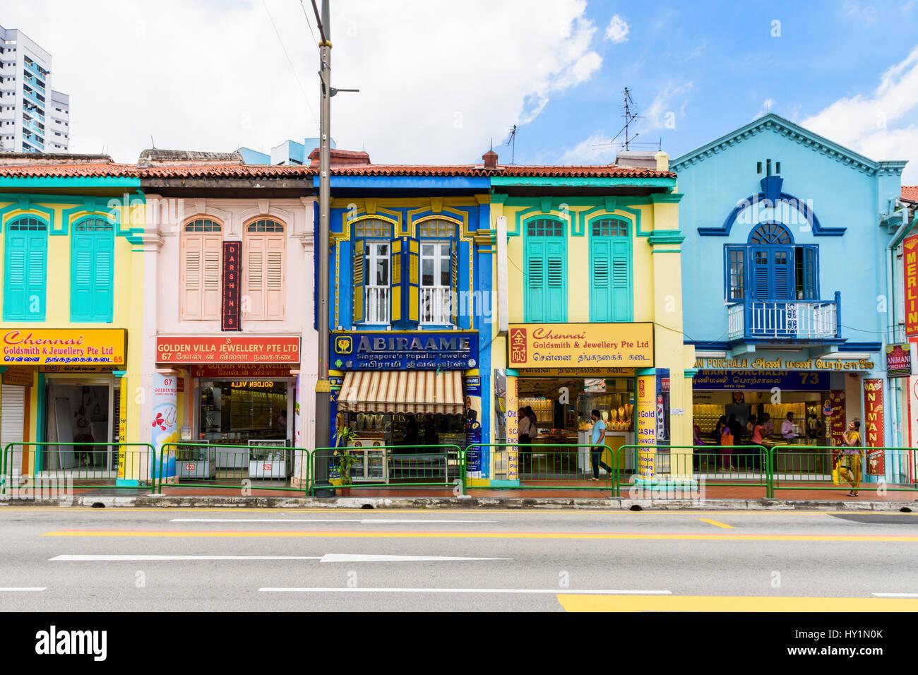 Colourful shophouses along Serangoon Rd, Little India, Singapore - Stock Image