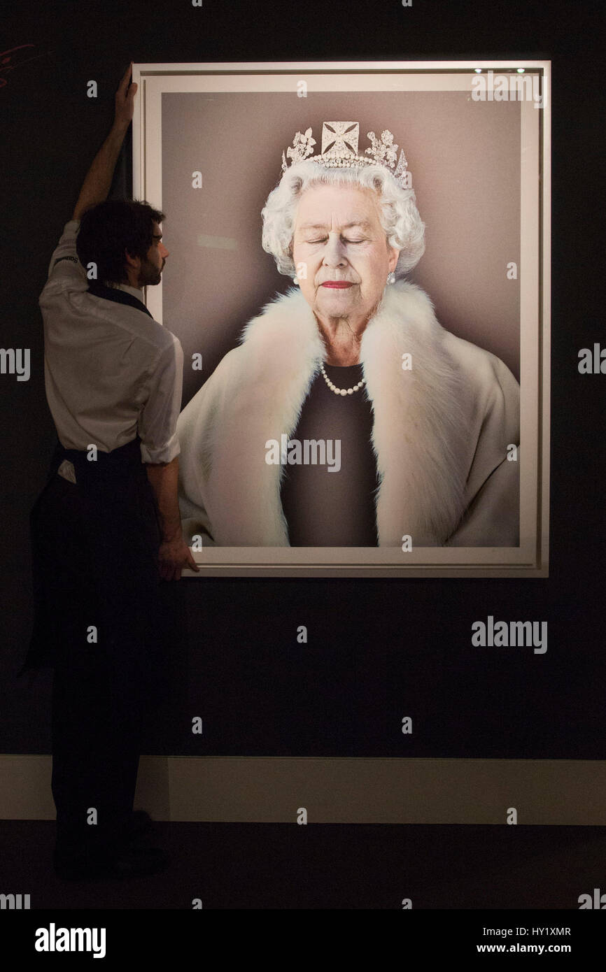 London, UK. 31 March 2017. Portrait of HM The Queen entitled Lightness of Being, 2004, by Chris Levine, est. GBP - Stock Image