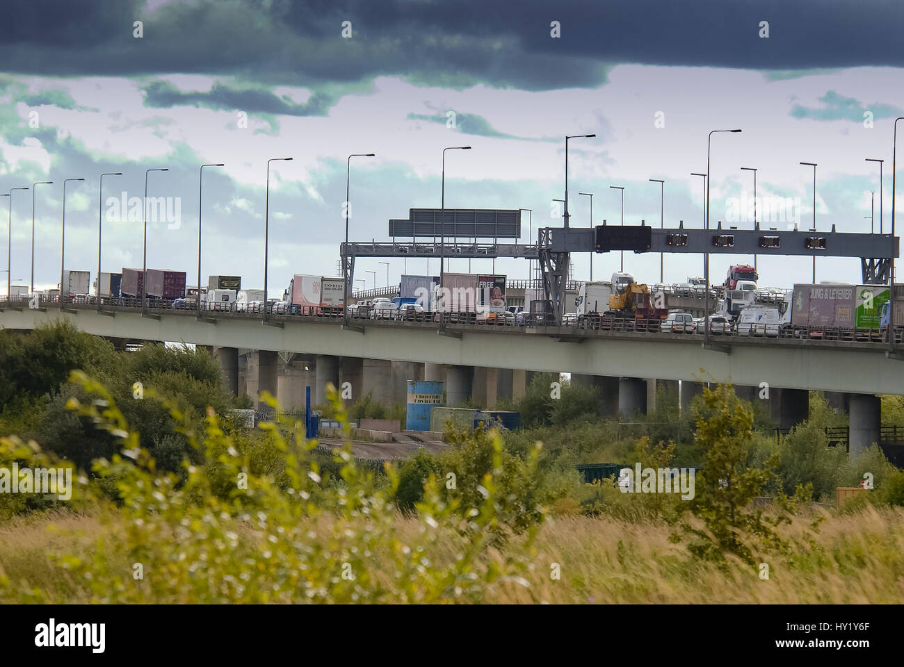 Traffic jam congestion oth esouthboaund Thelwall viaduct on the M6 motorway. - Stock Image