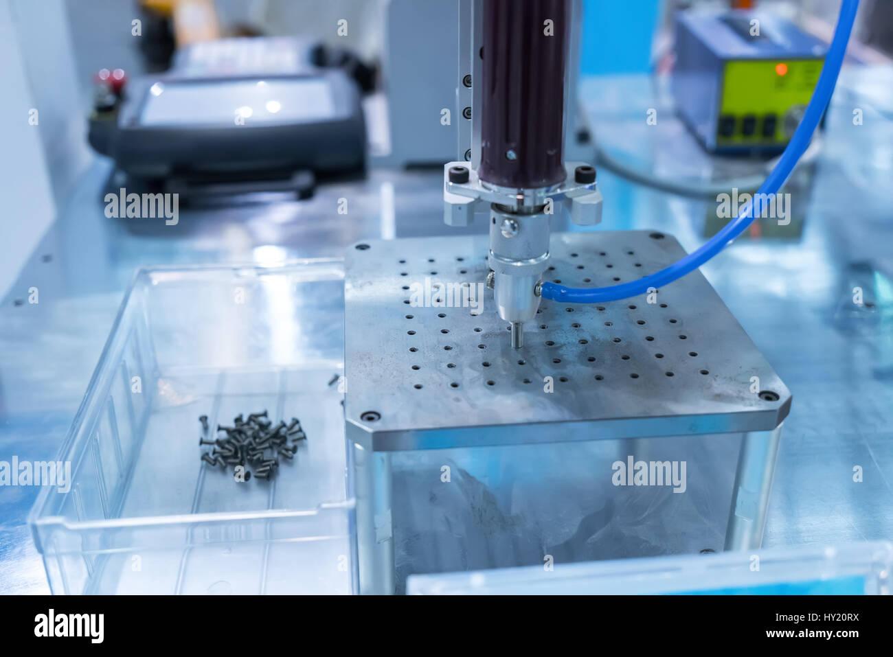 cm automatic hand programmable feeder card vga screw machine product dvi en