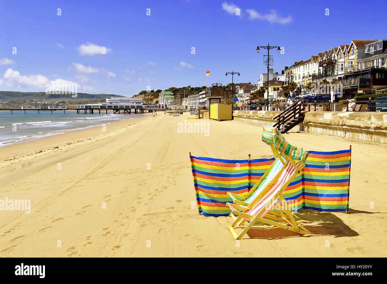 Bild ueber die Strandpromenade von Sandown, ein bekanntes Strandresort auf der Insel Isle of Wight in Suedengland. - Stock Image