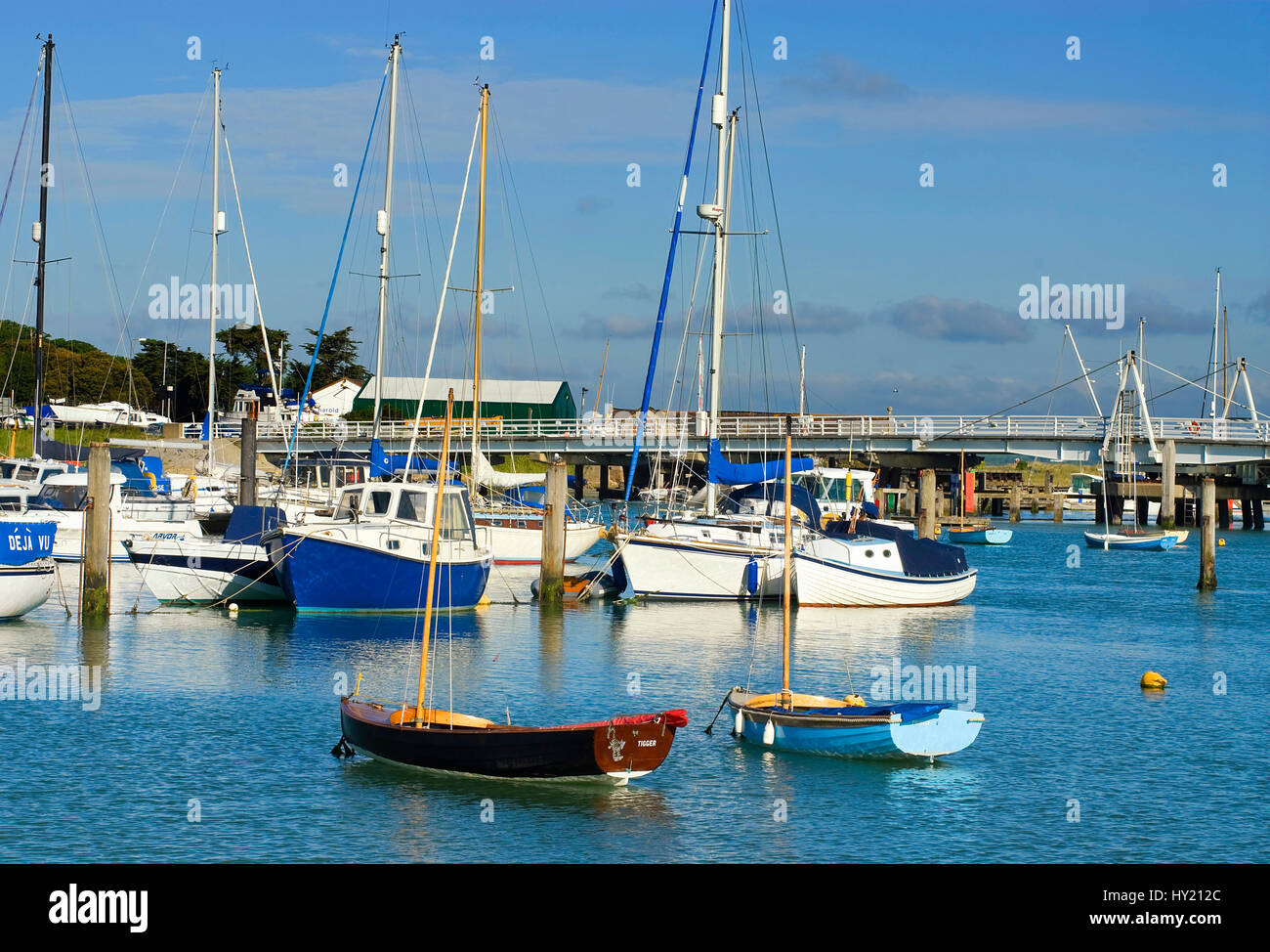 View over the Marina of Yarmouth, a popular beachside town at the Isle of Wight in South England.  Blick ueber die - Stock Image