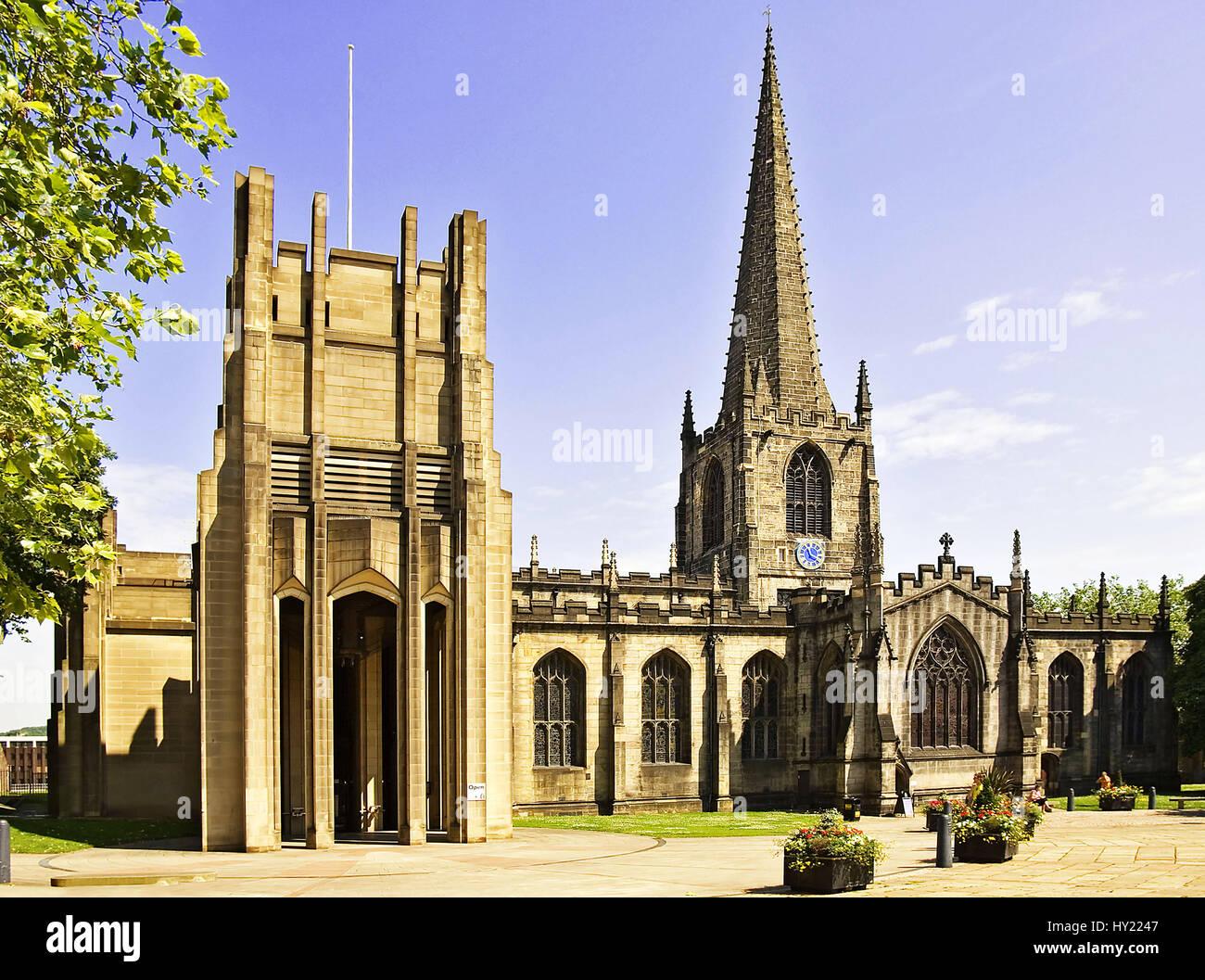 Die Sheffield Kathedrale ist eine in der Innenstadt Sheffields gelegene Kirche, die 1914 zur Kathedrale erhoben - Stock Image