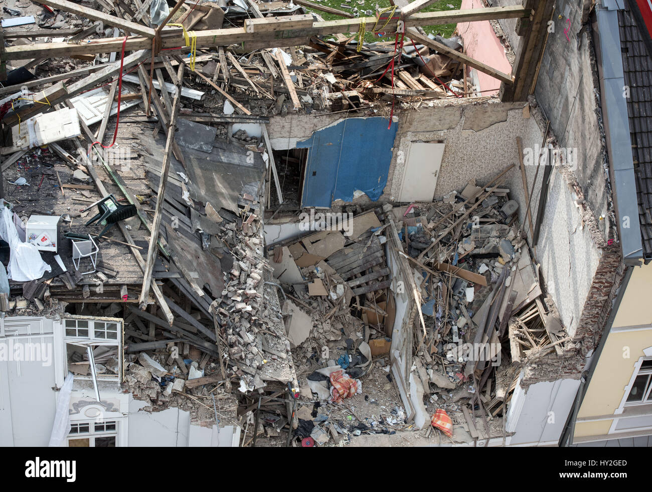 Dortmund, Germany. 1st Apr, 2017. View of the upper floors of an apartment building which were destroyed in an explosion on the previous day in Dortmund, Germany, 1 April 2017. One person died in the explosion in the building. Rescue forces found the body of a 36-year-old female resident on Saturday morning. A 48-year-old tenant is suspected to have caused the explosion for unknown reasons. Photo: Bernd Thissen/dpa/Alamy Live News Stock Photo