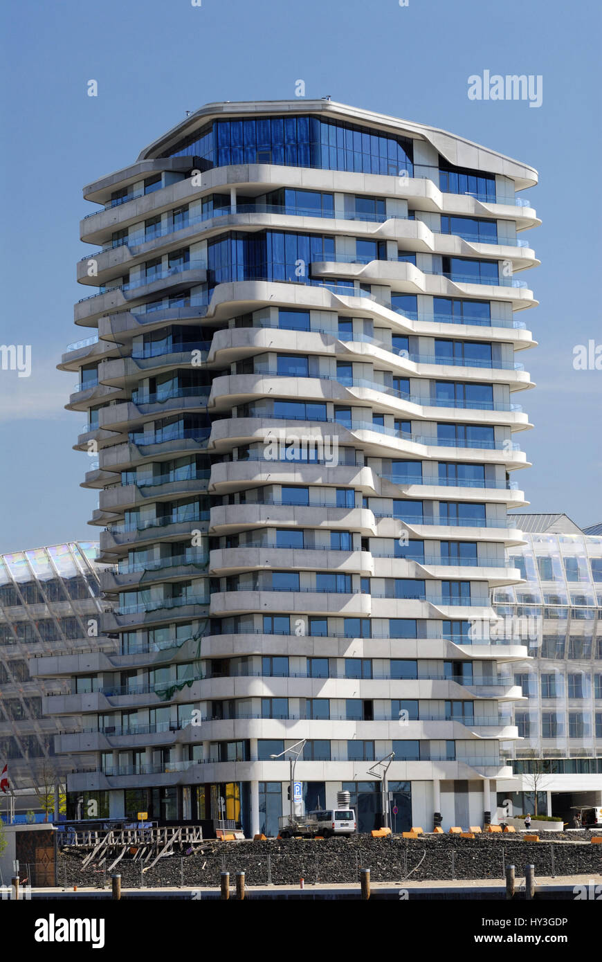 The residential tower Marco-Polo-Tower in the beach quay in the harbour city of Hamburg, Germany, Europe, Der Wohnturm - Stock Image