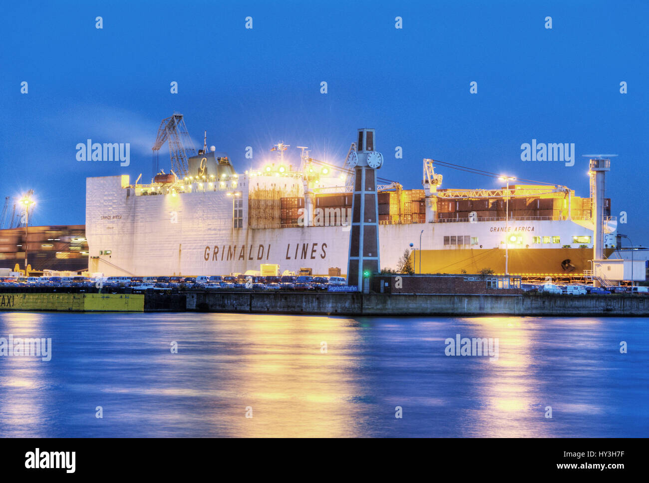 ConRo ship grandee Africa of the Grimaldi Lines in the QUAY O?'SWALD in Hamburg, Germany, Europe, ConRo-Schiff - Stock Image