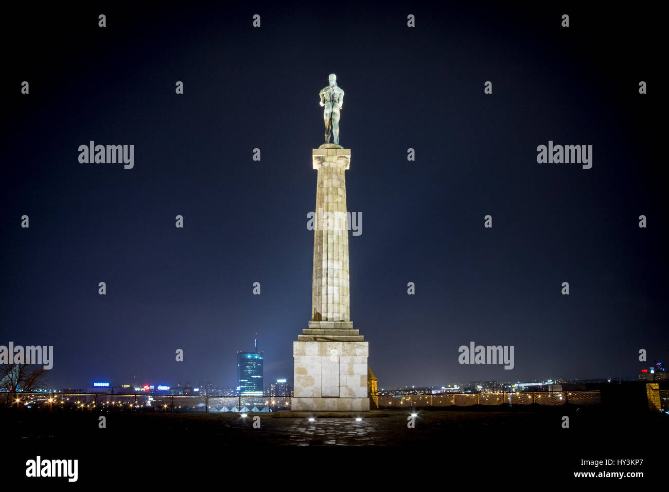 Victor statue on Kalemegdan fortress by night - Belgrade - Serbia   Picture of the iconic victory statue seen on - Stock Image
