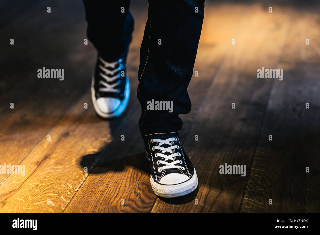 b4825ffeed3 Converse Legs Stock Photos   Converse Legs Stock Images - Alamy