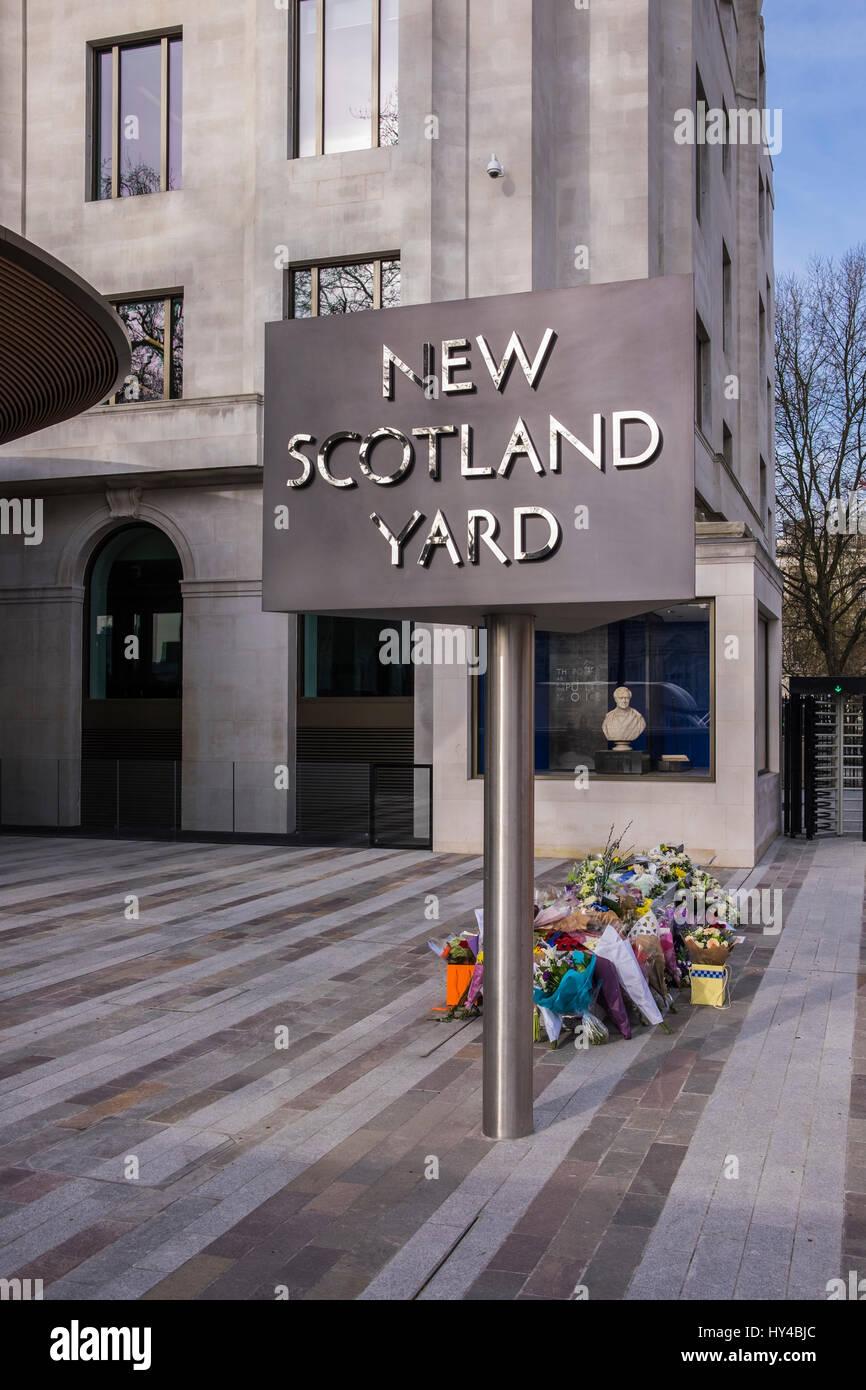 New Scotland Yard on Victoria Embankment, London, England, U.K. - Stock Image