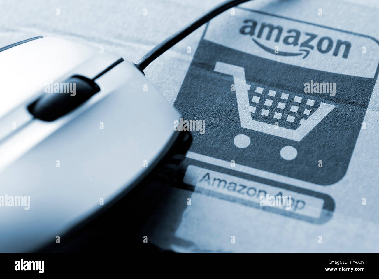 422d51363fee2a Amazon packaging and Computermouse, Amazon-Verpackung und Computermouse -  Stock Image