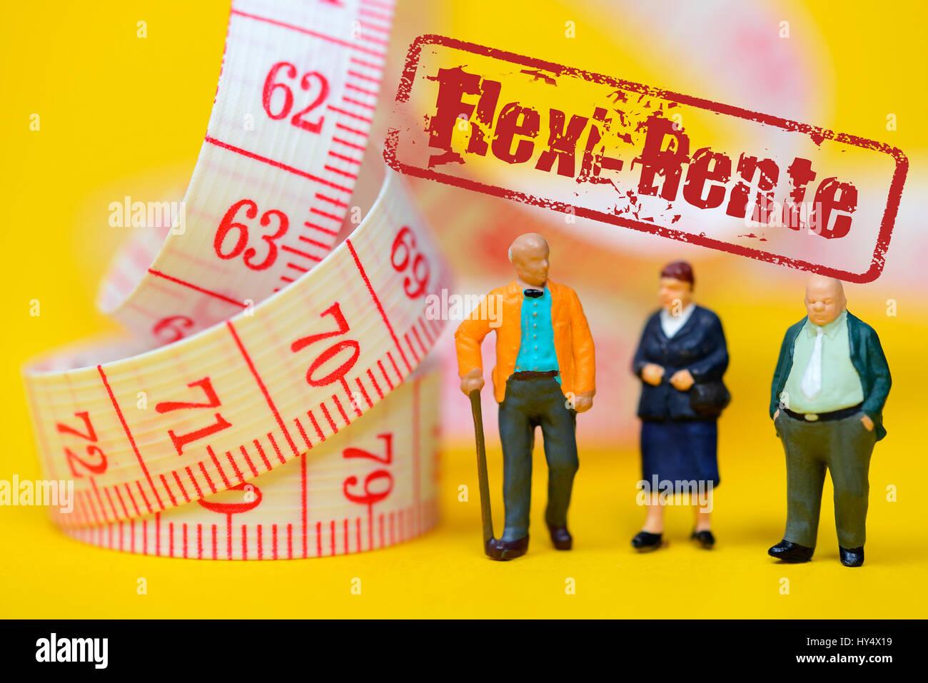 Senior citizens and dimension tape, symbolic photo Flexi pension, Senioren und Ma?band, Symbolfoto Flexi-Rente Stock Photo