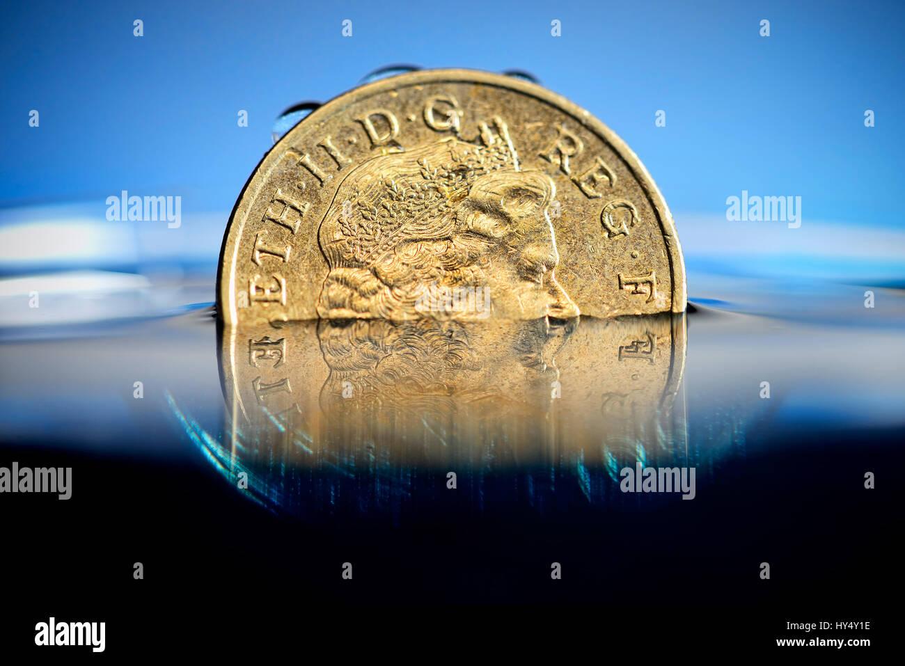 British One Pound Coin In The Water Low Pound Course Britische