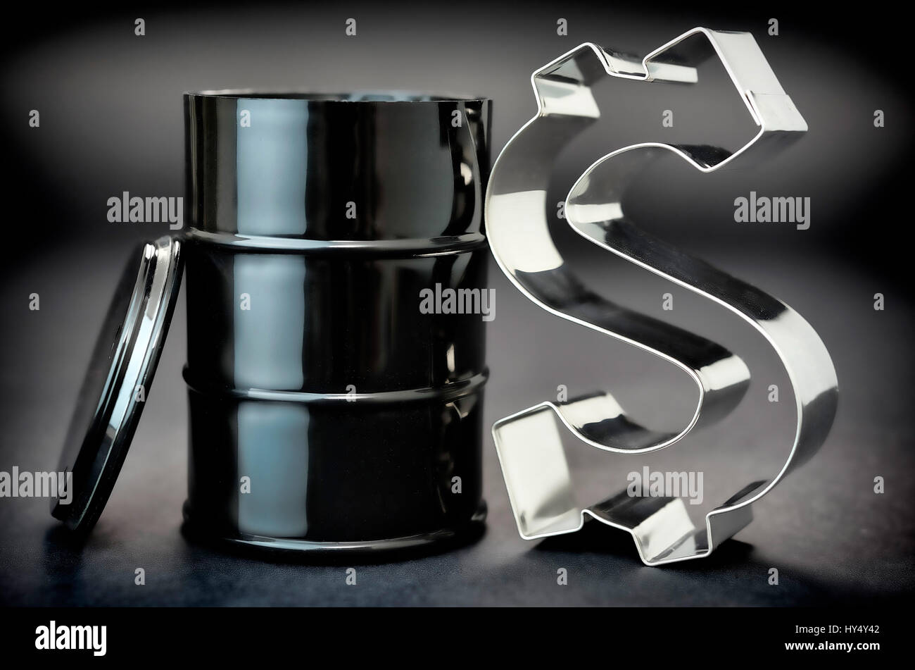 oil barrel and dollar sign, oil price, oelfass und Dollarzeichen, oelpreis Stock Photo