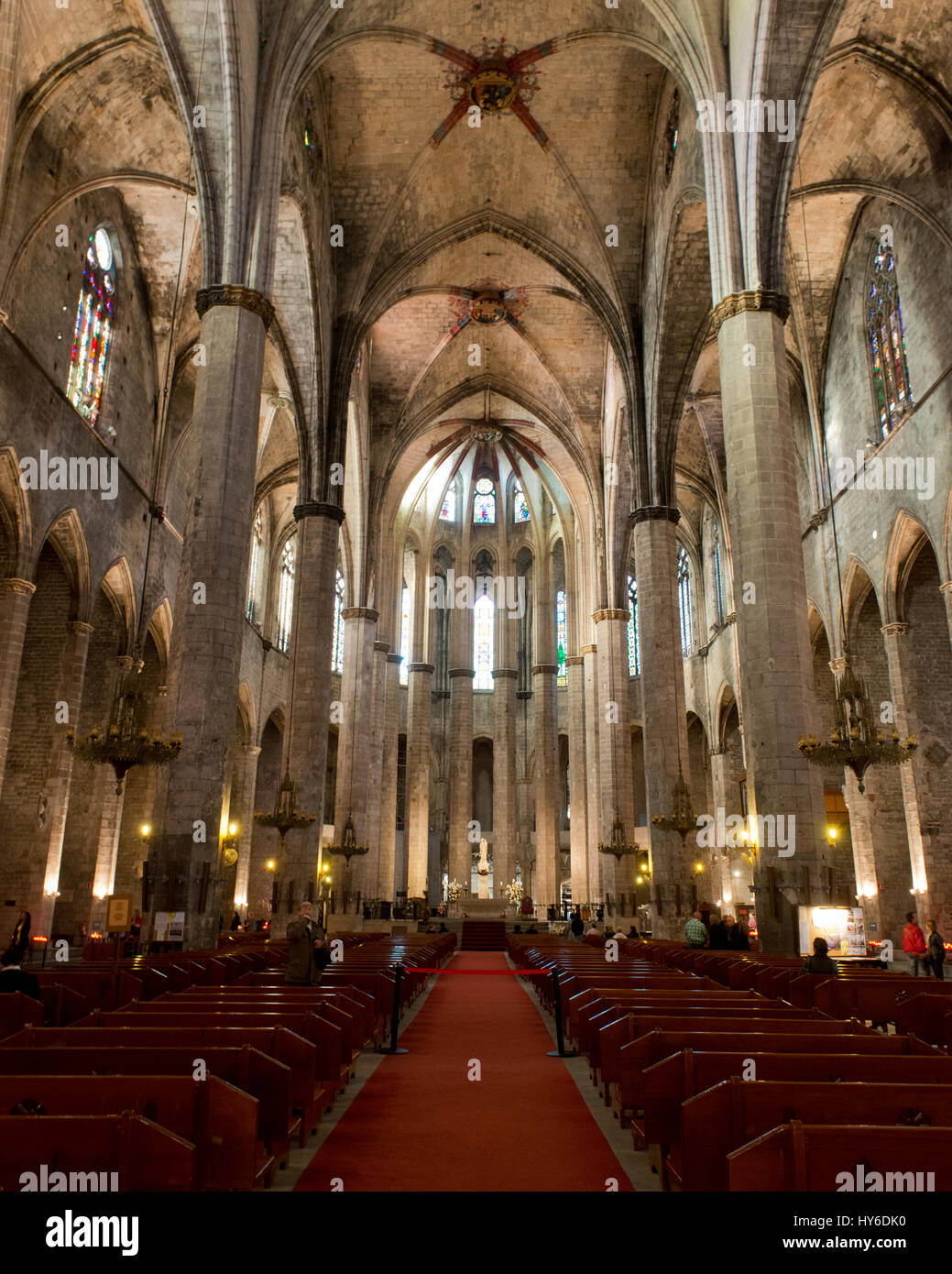 Nave with ribbed vault at La Catedral de la Santa Creu i Santa Eulàlia,Kathedrale von Barcelona, Barcelona, Catalonia, Stock Photo