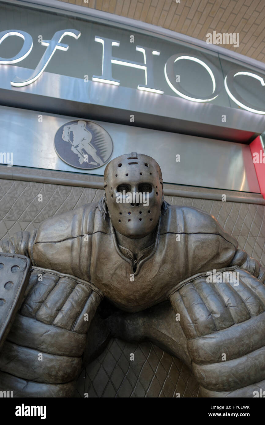 Spirit of Hockey storefront, Brookfield Place, Allen Lambert Galleria, artwork by Ken Danby, At the Crease, hockey - Stock Image