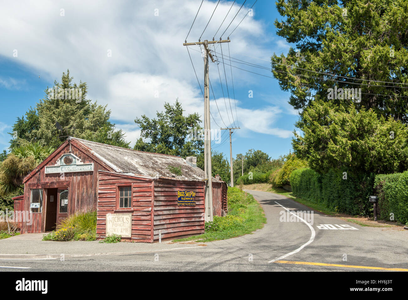 Nicol's Blacksmith shop dating back to 1898 is an authentic historic blacksmith shop in Duntroon, New Zealand. - Stock Image