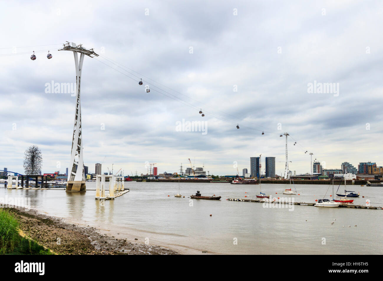 The Emirates Cable Car service, spanning the River Thames from Greenwich Peninsula to the Royal Victoria Dock, London, Stock Photo