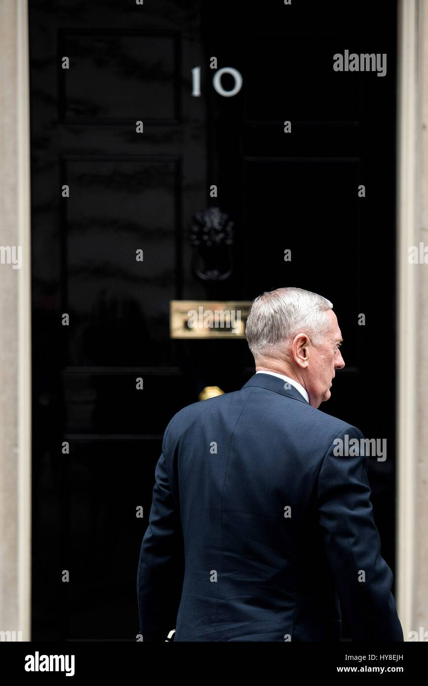 U.S. Secretary of Defense Jim Mattis arrives at 10 Downing Street for a bilateral meeting with British Prime Minister - Stock Image