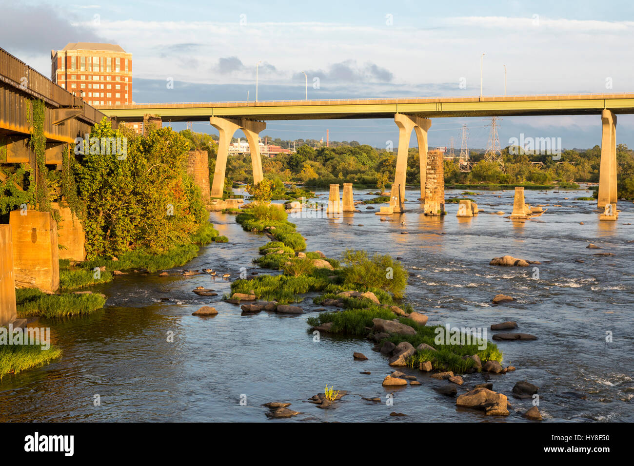 Richmond, Virginia.  Rapids of the James River, South 9th. Street Bridge, late Afternoon. - Stock Image