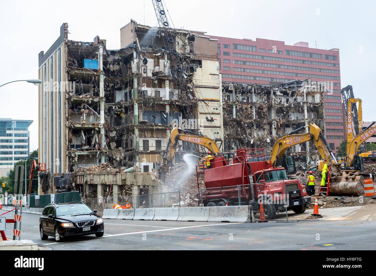 Richmond, Virginia.  Urban Renewal.  Demolition of an Old Cigarette Factory. - Stock Image