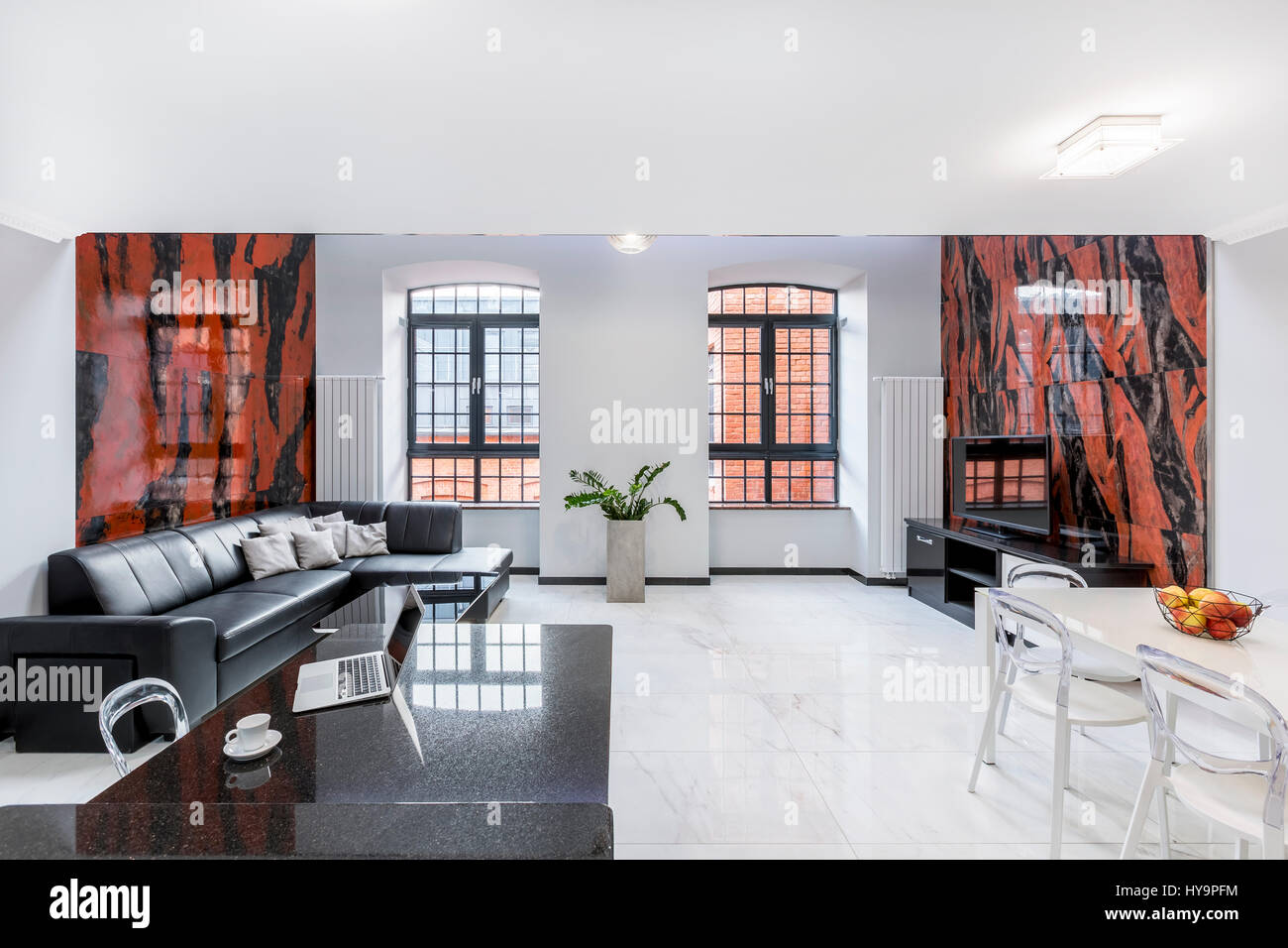 Groovy Luxury White Loft Apartment With Sofa Table Window Gloss Inzonedesignstudio Interior Chair Design Inzonedesignstudiocom