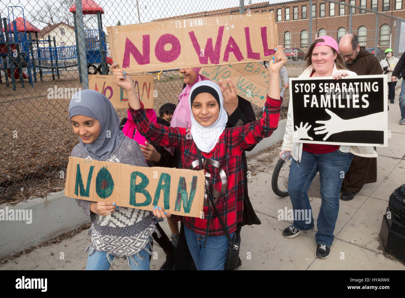 """Detroit and Dearborn, Michigan, USA. 2nd Apr, 2017. """"Neighbors Building Bridges"""": Mexican and Muslim immigrants Stock Photo"""