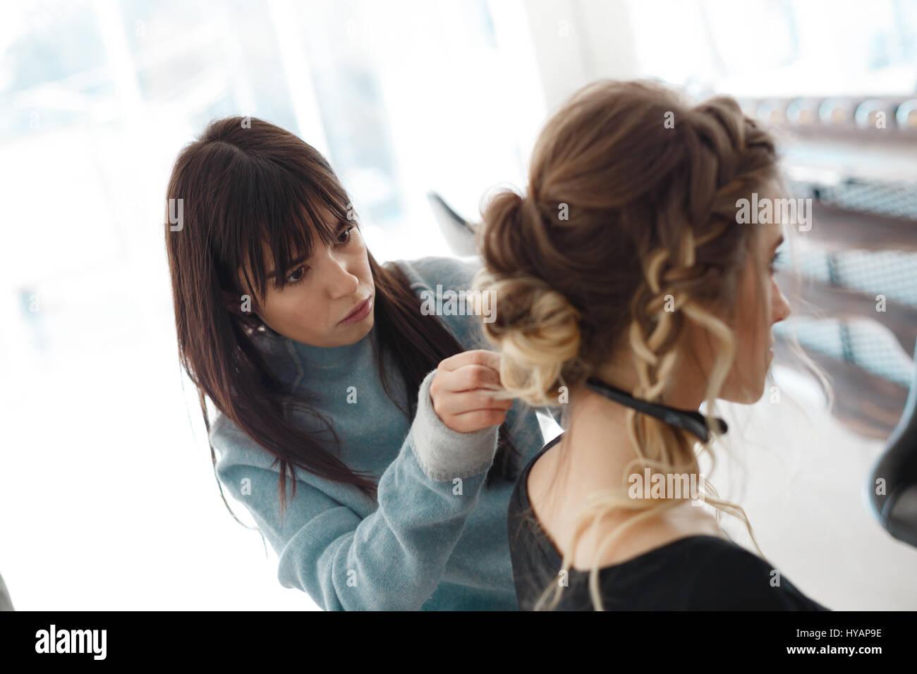 Kyiv Ukraine March 3 2017 Closeup Hairdresser Coiffeur Makes