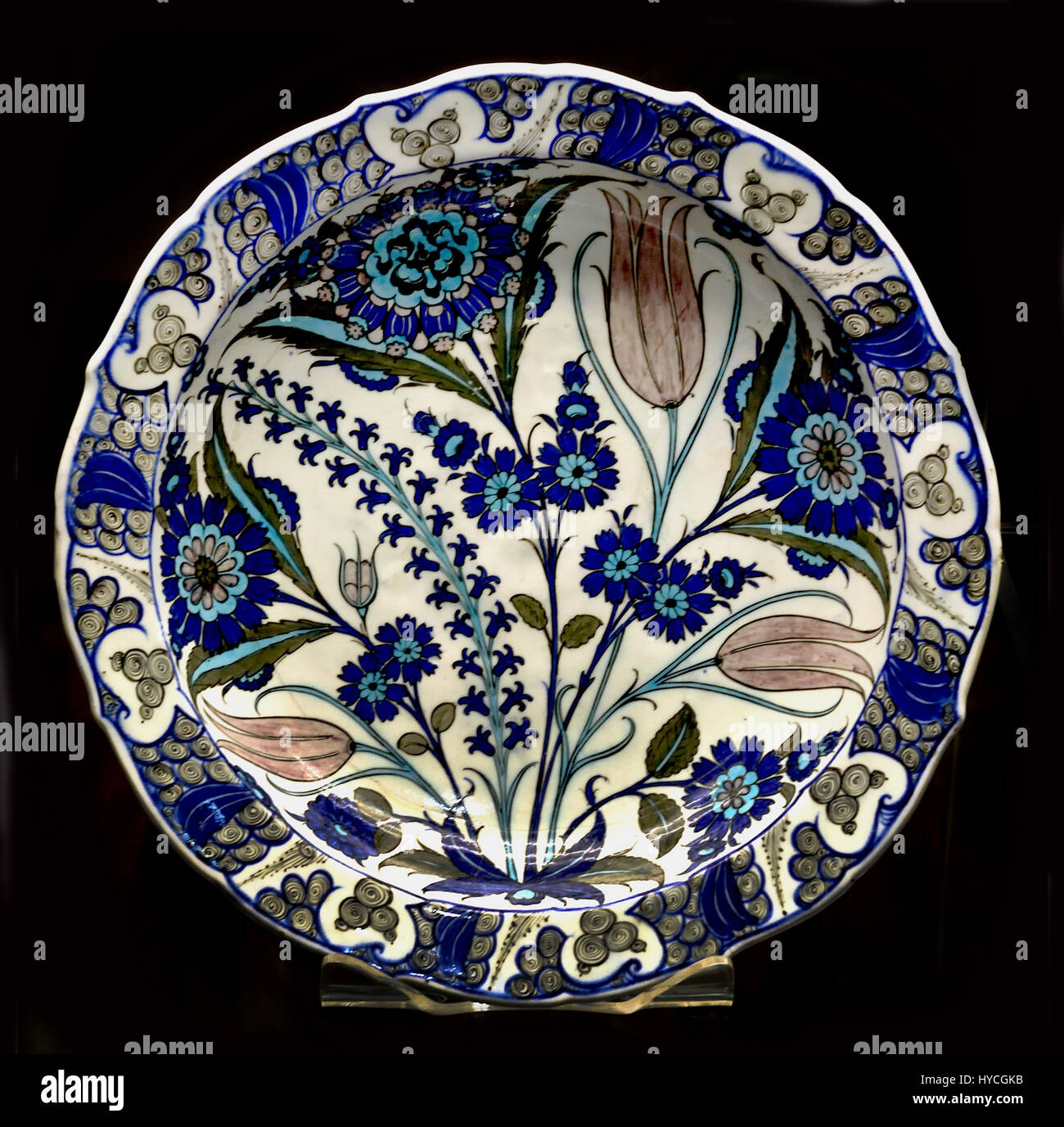 Dish with  Flowers Iznik ( Tulips Hyacinths and rosettes are combined with extravagant Lotus forms ), Ottoman dynasty - Stock Image