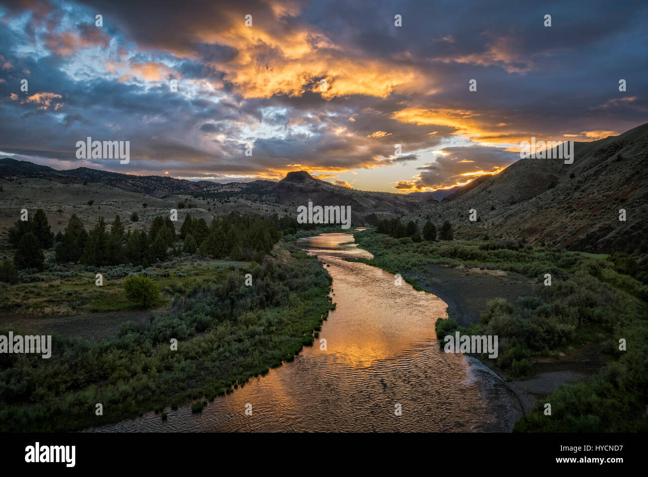 The Wild and Scenic John Day River at Priest Hole access in eastern Oregon. - Stock Image