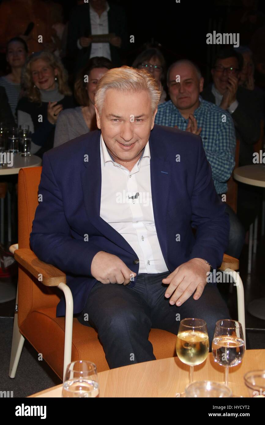 Guests at Talkshow 3nach9  Featuring: Klaus Wowereit Where: Hamburg, Germany When: 03 Mar 2017 Stock Photo