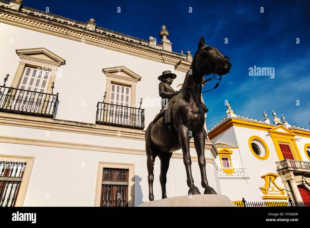 SPAIN, SEVILLE, PROVINCE OF SEVILLE, AUGUSTA SENORA CONDESA DE BARCELONA EQUESTRIAN STATUE IN FRONT OF PLAZA DE - Stock Image