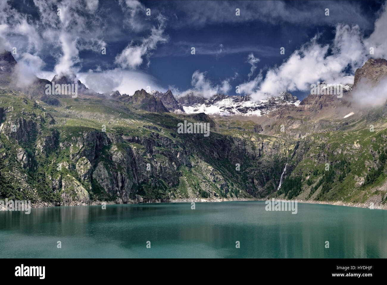 the top of Valpiantonetto, a short, steep and narrow valley of the Gran Paradiso NP in Piedmont, Italy, with the - Stock Image