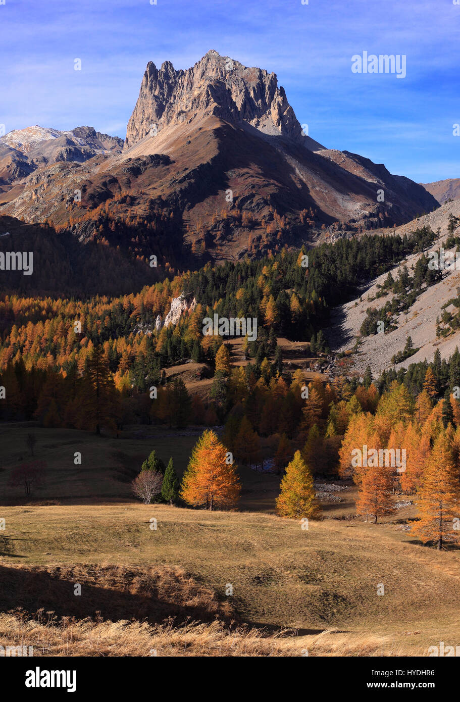 An autumnal view of the top of the Valle Stretta, a beatiful small valley in the Western Alps right at the border - Stock Image